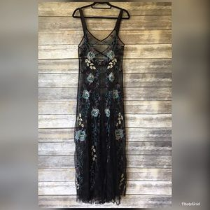 Free People Dresses - Free People lace M-L bouquet embro maxi slip dress